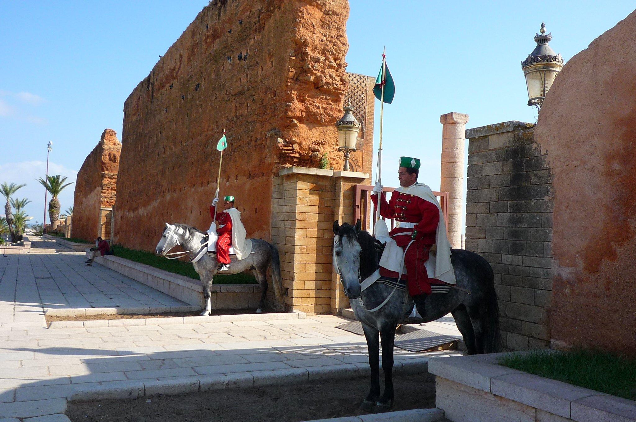 https://www.caravan-serai.com/wp-content/uploads/2016/08/TunisMoroc-861.jpg